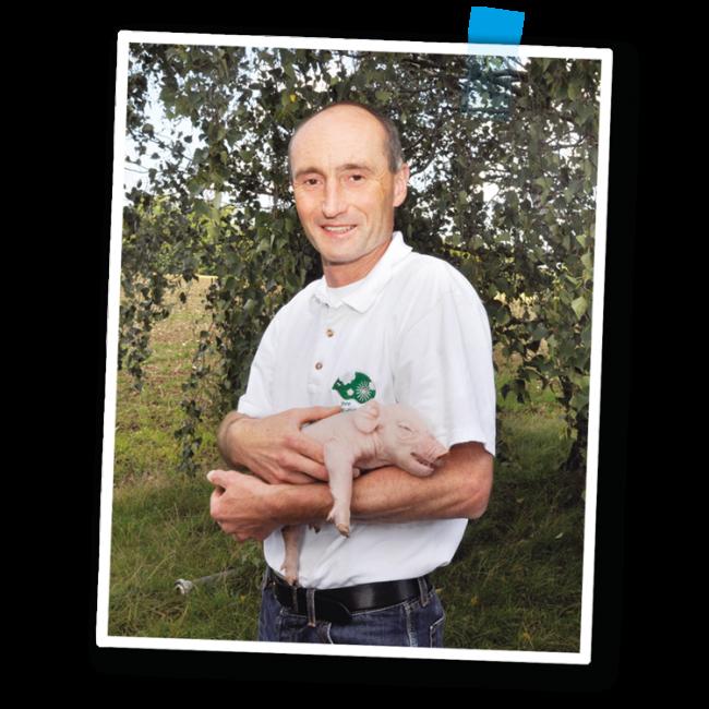 Marcus Weber mit Frischling - Fleischerei Nolzen